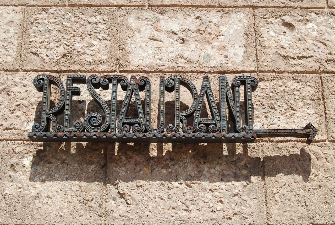 Zanim otworzymy lokal gastronomiczny – lista rzeczy, o których trzeba pomyśleć